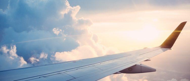 Dromen over een vliegtuig, wat betekent dat?
